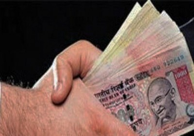 Jaipur PWD engineer caught red handed accepting Rs 50,000 bribe