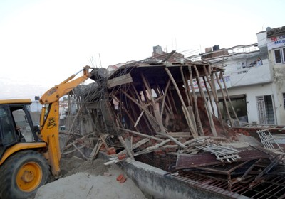 JMC demolishes nearly four dozen houses in Amanishah Nullah
