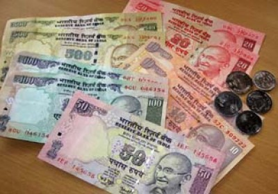 Indian Currency Soon to Go Plastic