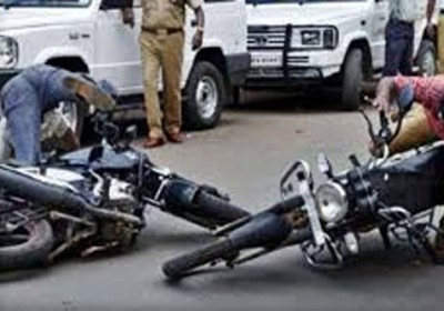 3 killed, 2 injured after dumper hits motorcycles