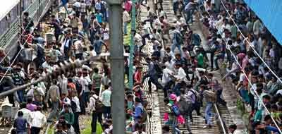 Jaipur City Sees Huge Crowds of Candidates for Police Exams